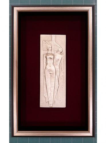 鋳造されたレリーフの作品の額装